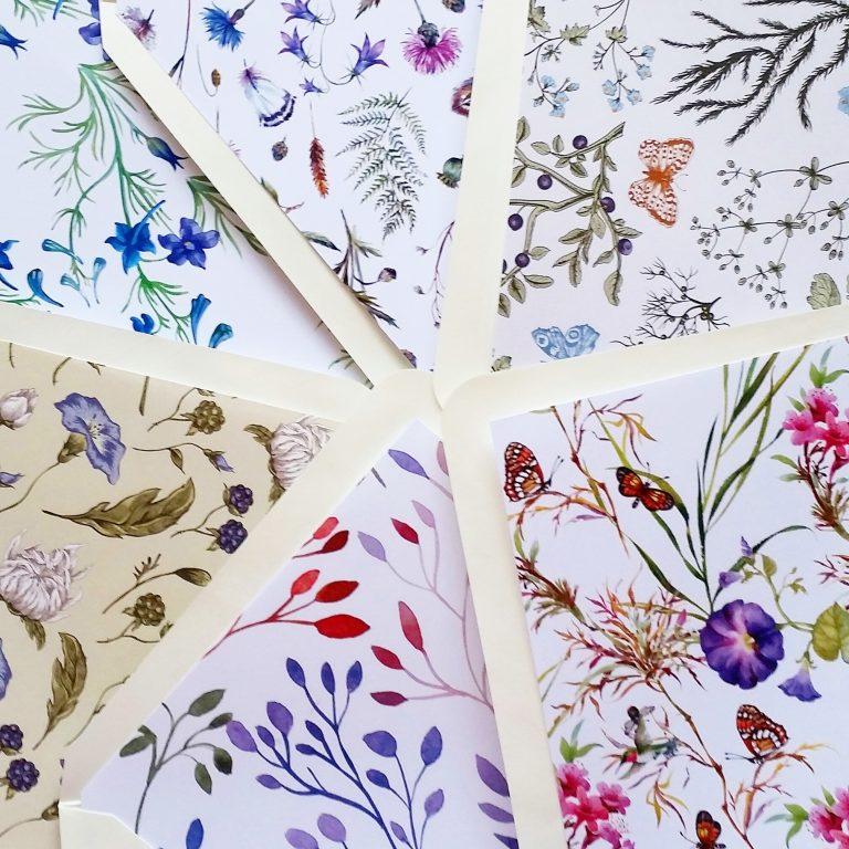 Patterned lined envelopes